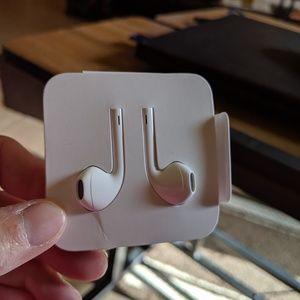 I phone ear buds